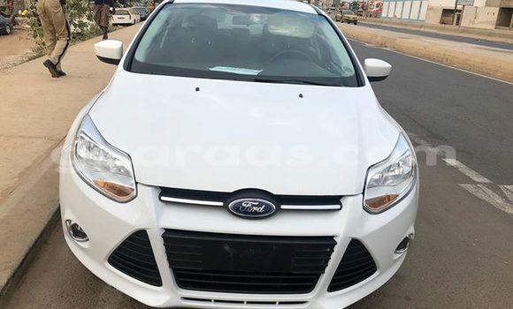 Acheter Occasions Voiture Ford Focus Blanc à Dakar au Dakar