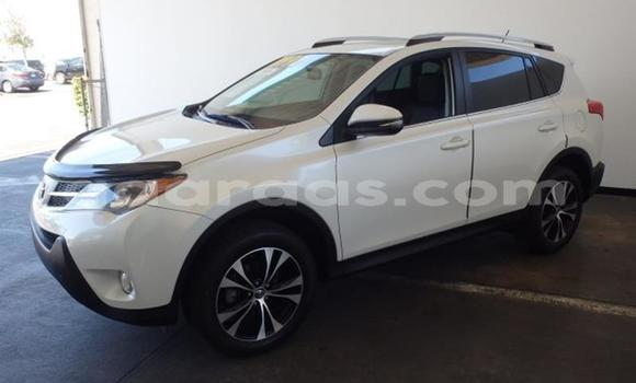 Buy Used Toyota RAV4 White Car in Dakar in Dakar