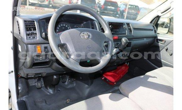 Buy Import Toyota Hiace White Car in Import - Dubai in Dakar