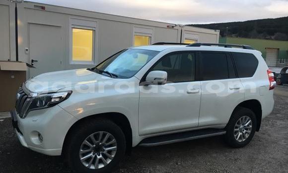 Buy Used Toyota Land Cruiser Beige Car in Dakar in Dakar