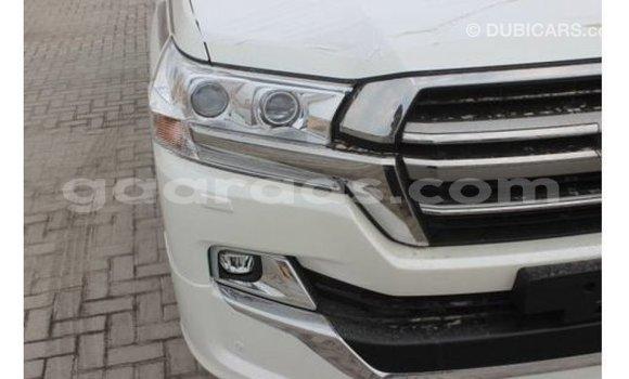Acheter Importé Utilitaire Toyota Land Cruiser Blanc à Import - Dubai, Dakar