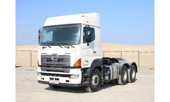 Acheter Importé Utilitaire Hino 300 Series Blanc à Import - Dubai, Dakar