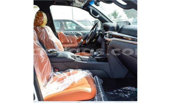 Acheter Importé Voiture Lexus LX Blanc à Import - Dubai, Dakar