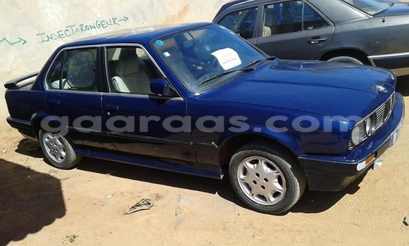Acheter Occasion Voiture BMW 3-Series Bleu à Gueule Tapee Fass Colobane au Dakar