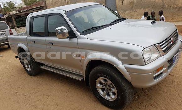Acheter Occasion Voiture Mitsubishi L200 Gris à Gueule Tapee Fass Colobane au Dakar