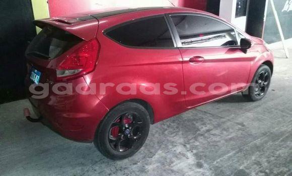 Acheter Occasion Voiture Ford Fiesta Rouge à Gueule Tapee Fass Colobane au Dakar