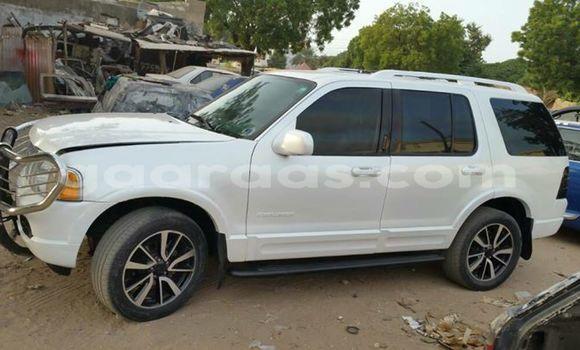 Acheter Occasion Voiture Ford Explorer Blanc à Gueule Tapee Fass Colobane au Dakar