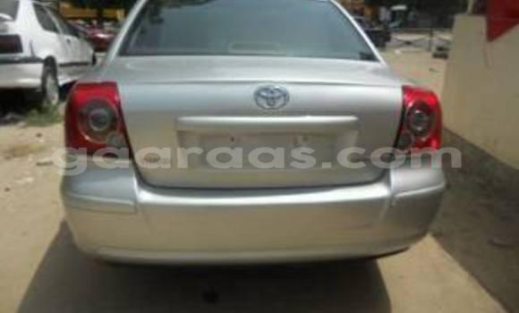 Acheter Occasion Voiture Toyota Avensis Gris à Gueule Tapee Fass Colobane au Dakar