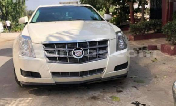 Buy Used Cadillac SRX White Car in Gueule Tapee Fass Colobane in Dakar