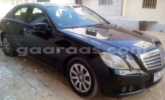 Acheter Occasion Voiture Mercedes‒Benz E-Class Noir à Golf Sud au Dakar