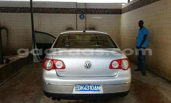 Acheter Occasion Voiture Volkswagen Passat Gris à Grand Dakar au Dakar