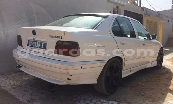 Acheter Occasion Voiture BMW 3-Series Blanc à Grand Dakar au Dakar