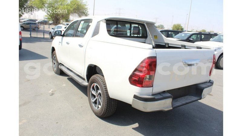 Big with watermark toyota hilux dakar import dubai 3638