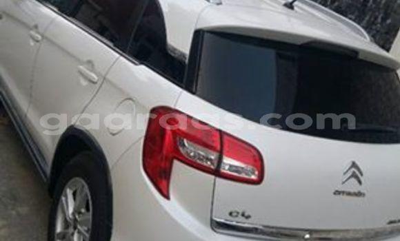 Acheter Occasion Voiture Citroen C4 Blanc à Grand Dakar au Dakar