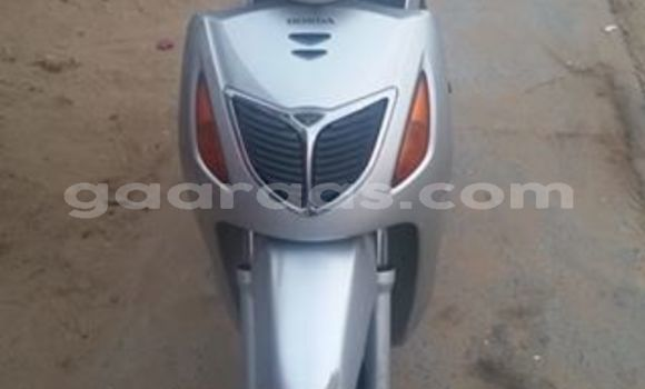 Acheter Occasion Moto Honda SH 125 Gris à Yeumbeul Nord au Dakar