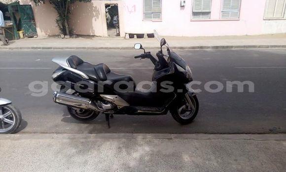 Acheter Occasion Moto Honda Silver Wing 600 Gris à Sicap Liberte au Dakar