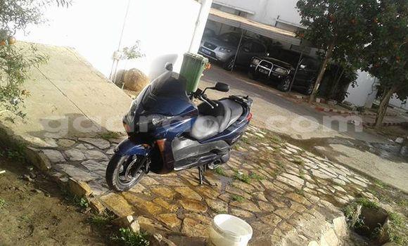Acheter Occasion Moto Honda Forza Noir à Grand Dakar au Dakar