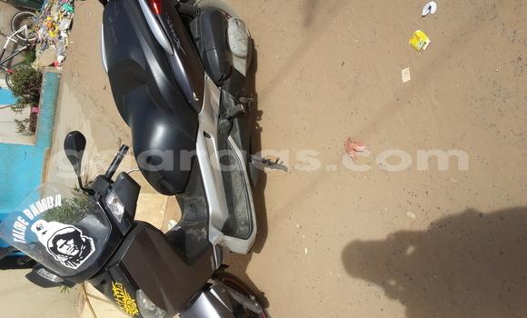 Acheter Neuf Moto Yamaha FZR Noir à Camberene au Dakar