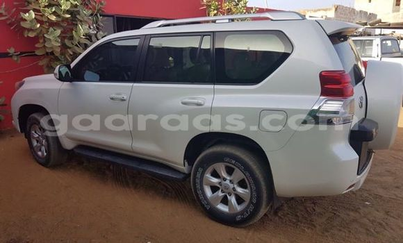 Acheter Occasion Voiture Toyota Land Cruiser Blanc à Grand Dakar au Dakar