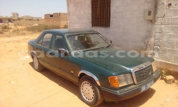 Acheter Occasion Voiture Mercedes‒Benz 200 Vert à Damniadio au Dakar