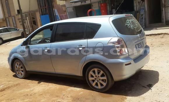 Acheter Occasion Voiture Toyota Verso Bleu à Parcelles Assainies au Dakar
