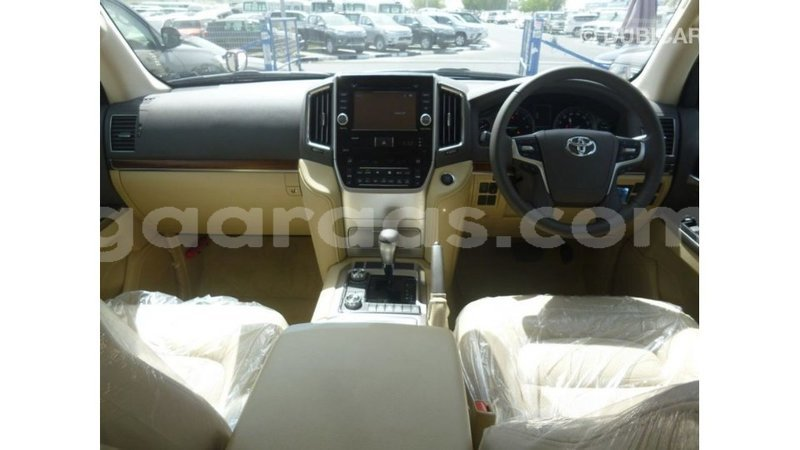 Big with watermark toyota land cruiser dakar import dubai 4963