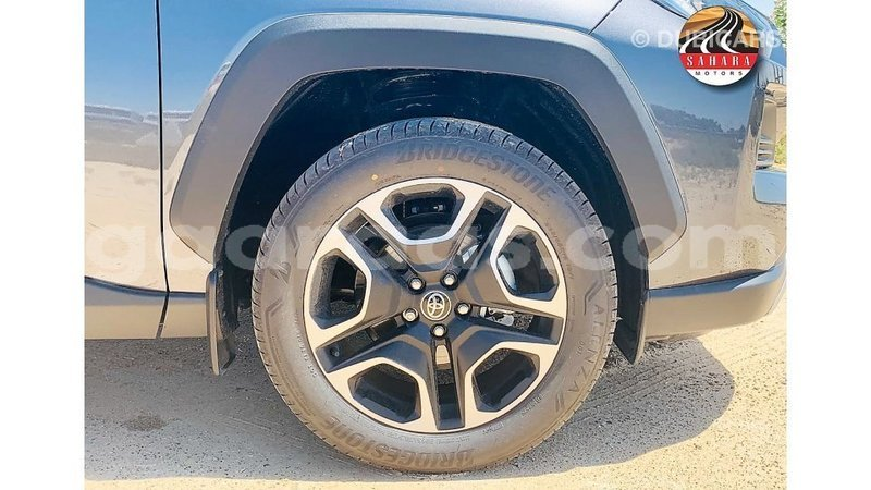Big with watermark toyota 4runner dakar import dubai 5927