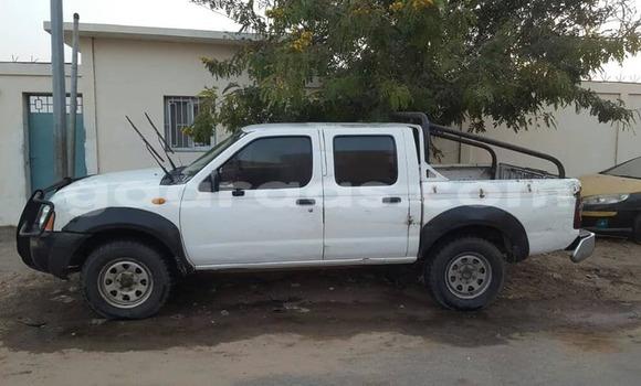 Acheter Occasion Voiture Nissan Hardbody Blanc à Dakar au Dakar