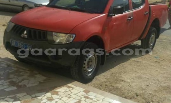 Acheter Occasions Voiture Mitsubishi L200 Rouge à Dakar au Dakar