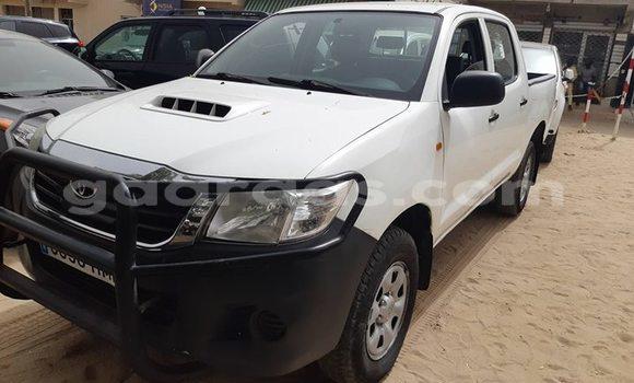 Acheter Occasion Voiture Toyota Hilux Blanc à Bakel au Tambacounda